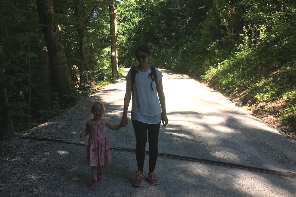 Gozdni sprehod Vodice ideja za izlet z otroci Kubu